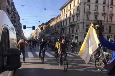 biciclettata-assessore-Granelli-corso-Buenos-Aires