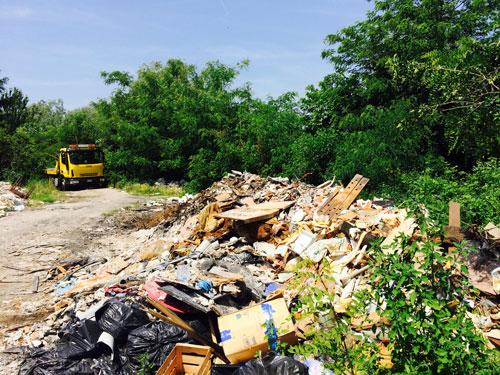 , Intervista all'assessore Granelli su conferimento rifiuti, discariche abusive, lavori linea 24 e distributore via dei Missaglia