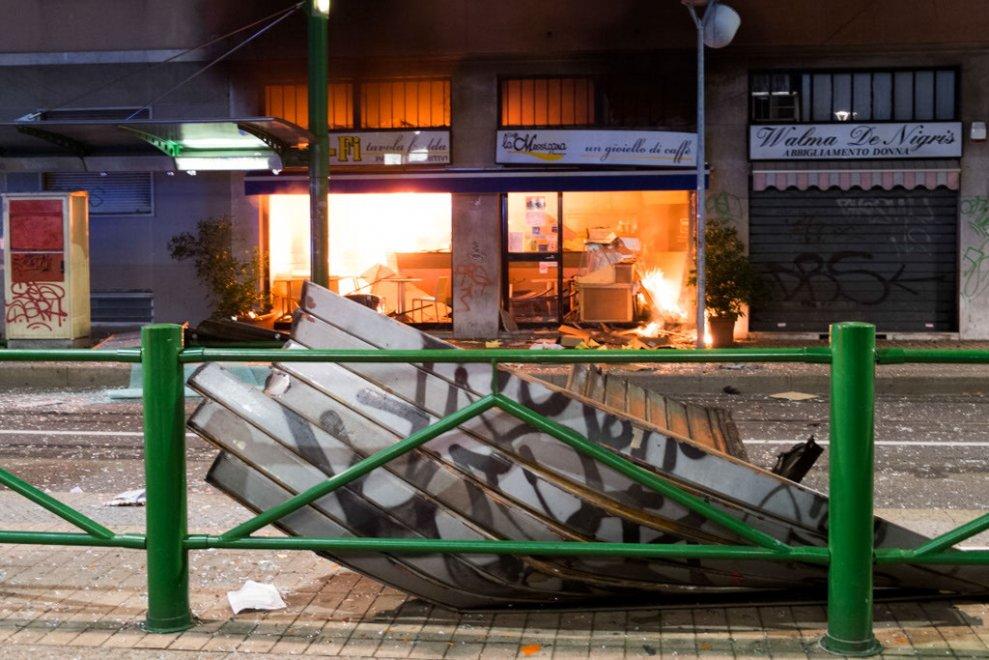 , Esplosione al Wifi cafè di via Volvinio: il proprietario accusato di incendio doloso