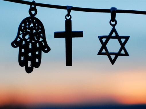 , In CdZ5 le religioni  dicono no alla violenza