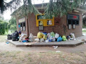 , Gratosoglio Sud, insieme ai cassonetti per la raccolta dei rifiuti arriva anche l'esposto del Codacons