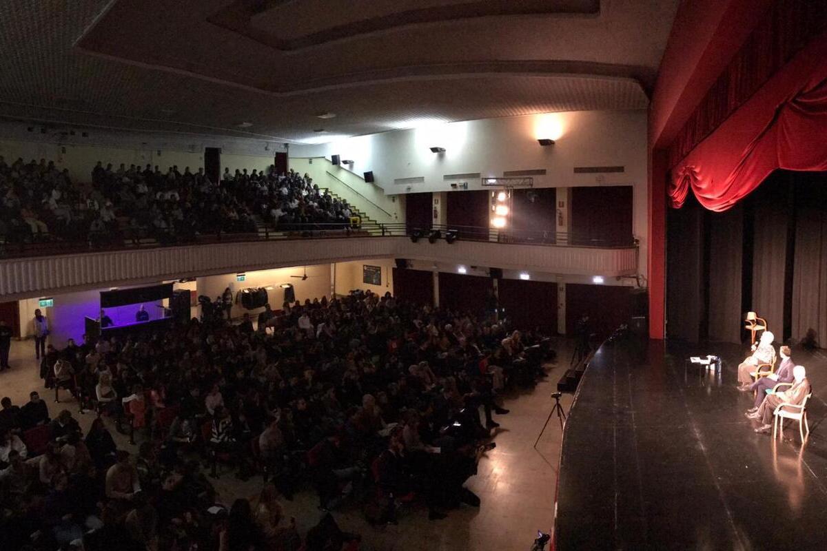 , Liliana Segre dialoga con gli studenti del Municipio 6. Il presidente Santo Minniti: «È stato un momento di grandissima emozione»