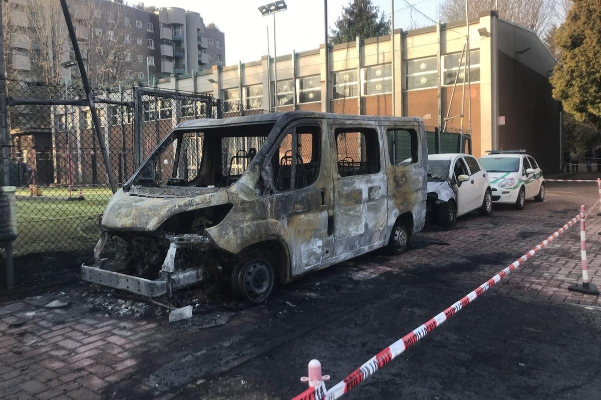 """, Incendio alla scuola della Polizia locale di via Boeri: c'è la rivendicazione """"antagonista"""""""