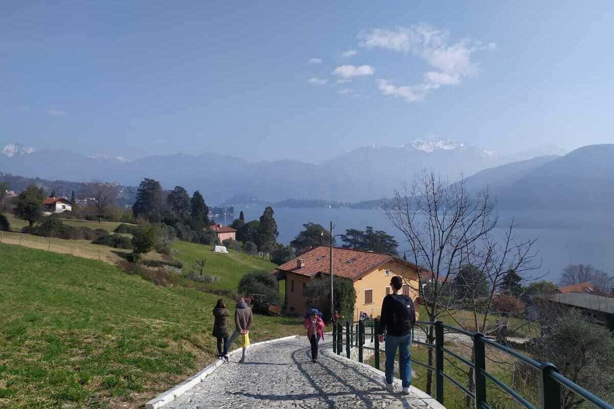 , Passeggiata lungo le meraviglie del Lago di Como